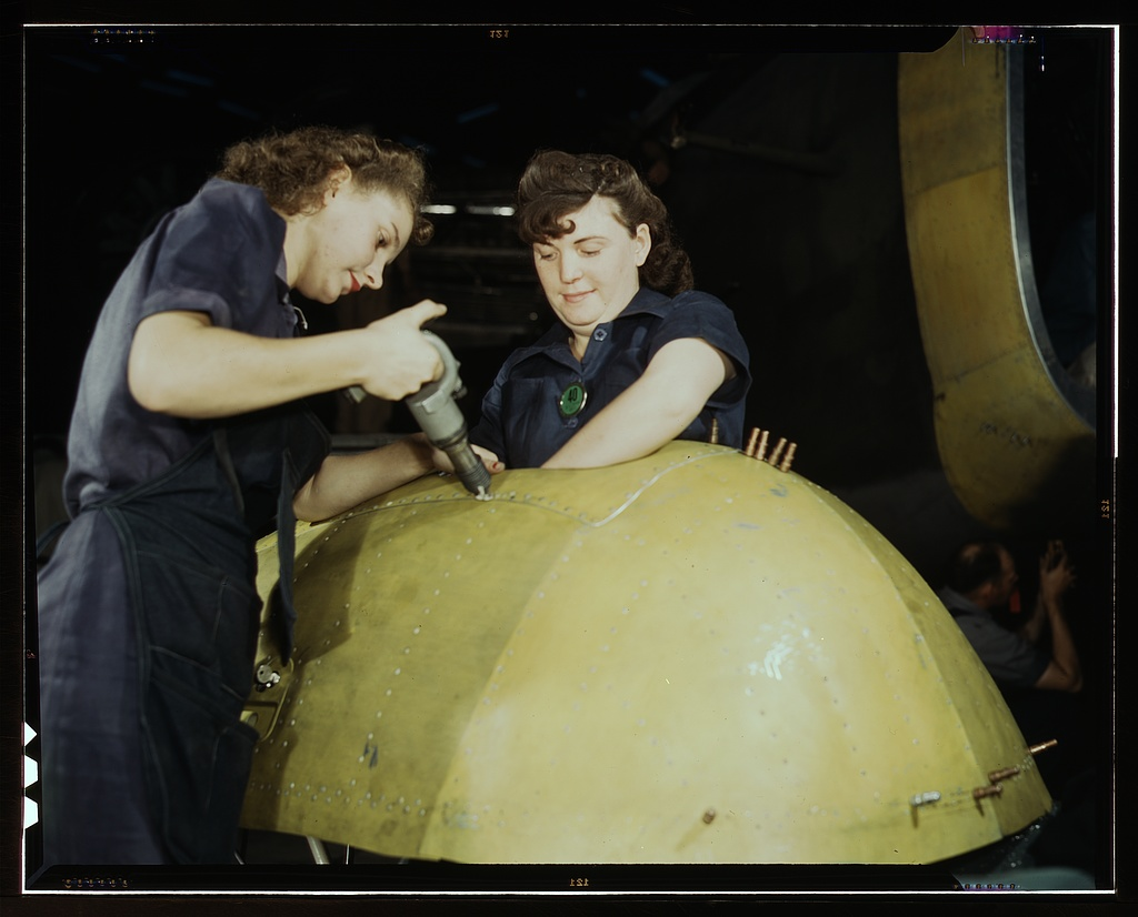 Working on a Vengeance dive bomber, Vultee [Aircraft Inc.], Nashville, Tennessee