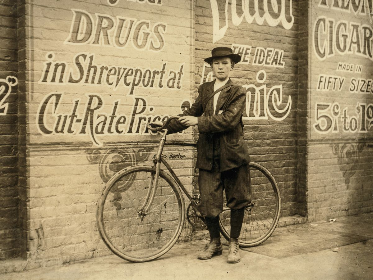 "November 1913 ""Howard Williams, thirteen year old delivery boy for Shreveport, La. Drug Company. He works from 9:30 A.M. to 10:30 P.M.; has been here three months. Goes to the Red Light every day and night. Says that the company could not keep other messenger boys; they work them so hard."""