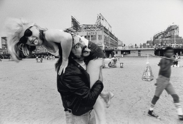 Debbie Harry and Lester Bangs, Coney Island in 1976.