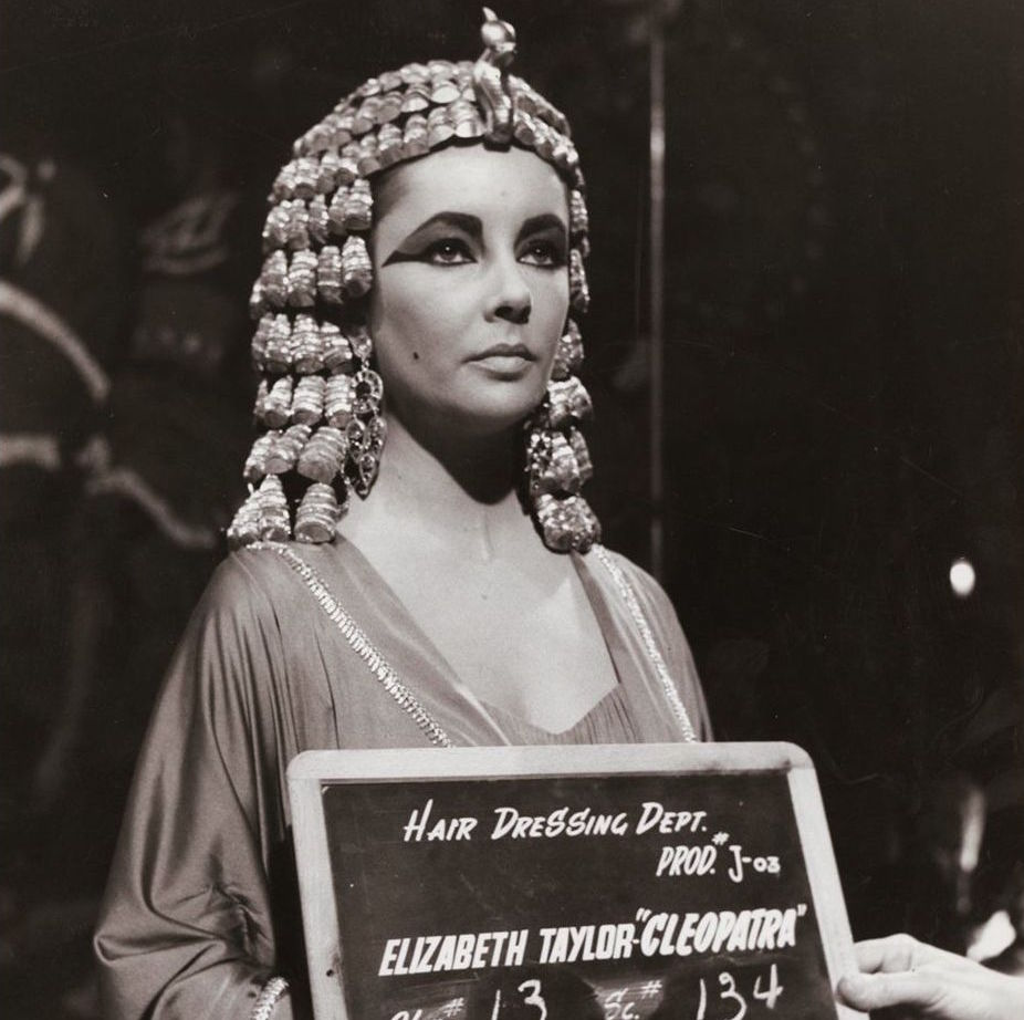 These Continuity Photographs Showing Elizabeth Taylor In Costume Were Taken By The Cleopatra 1963 Hair Dressing Department Flashbak