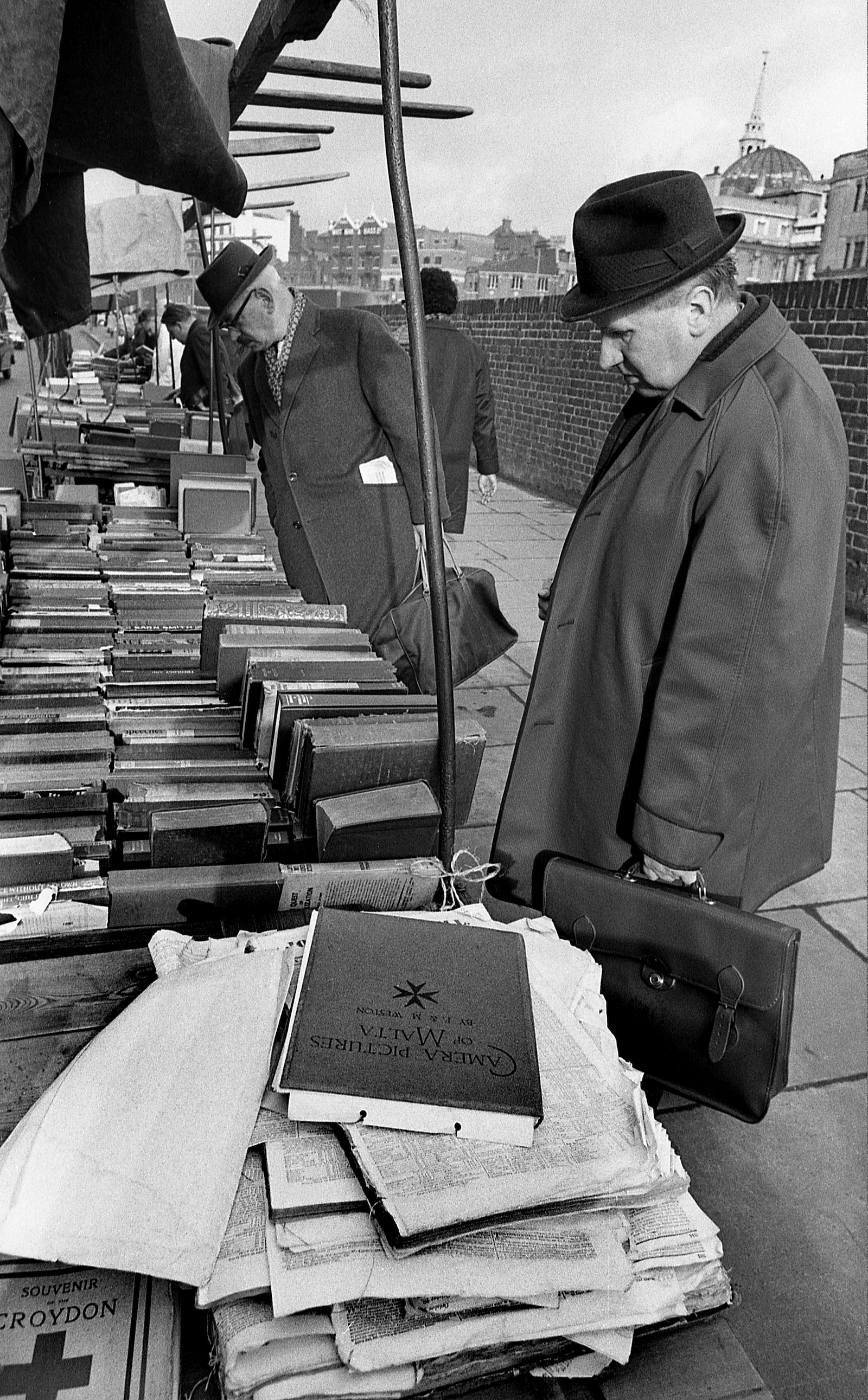 Bookstalls Farringdon Road Farringdon Road London 1966.