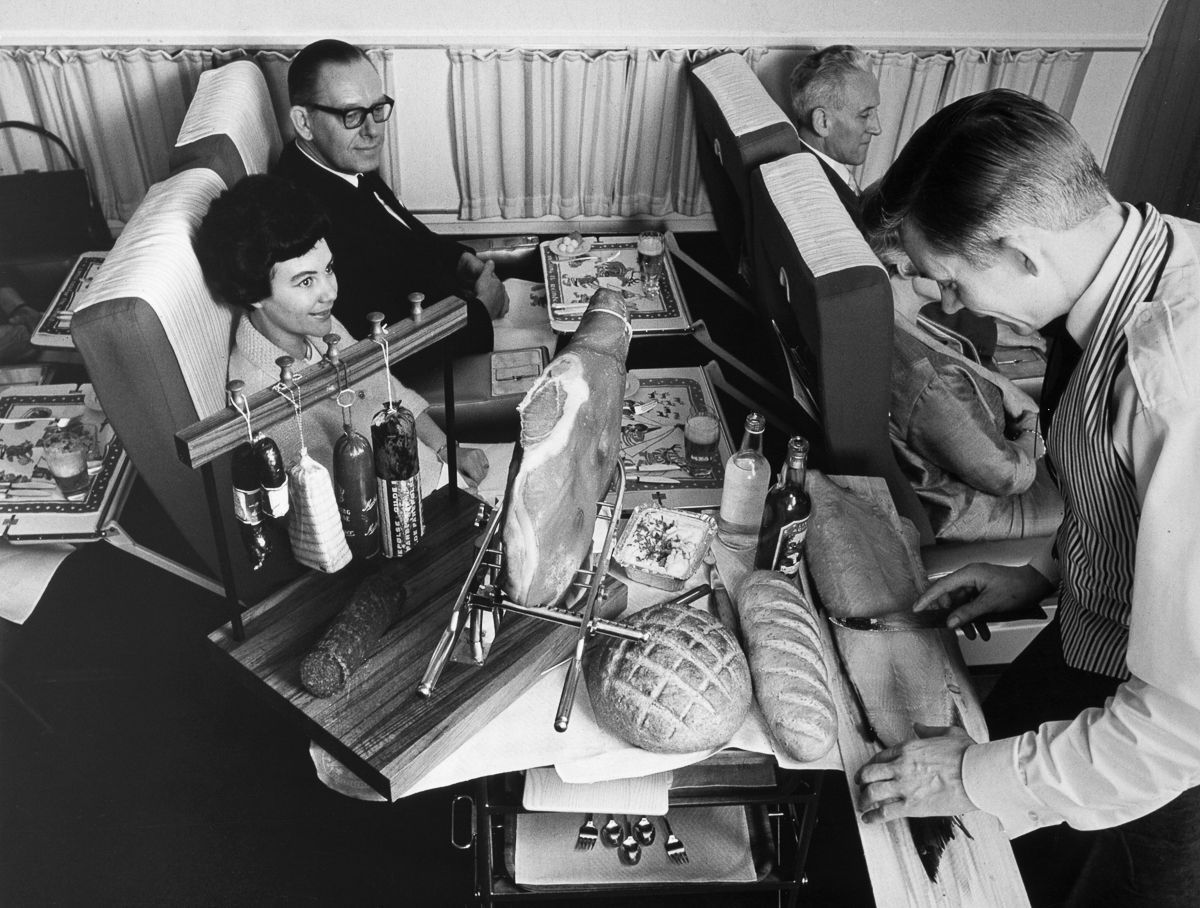 c. 1965 First class meal service aboard a DC-8.