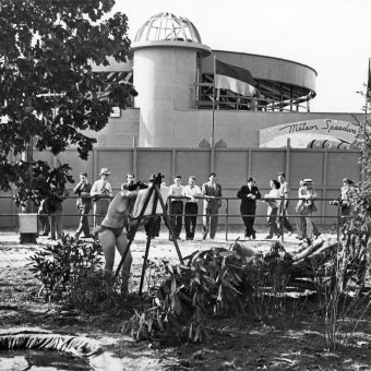 Nils T. Granlund And His Colony Of Naked Sun Worshippers Star At New York's World Fair (1939)