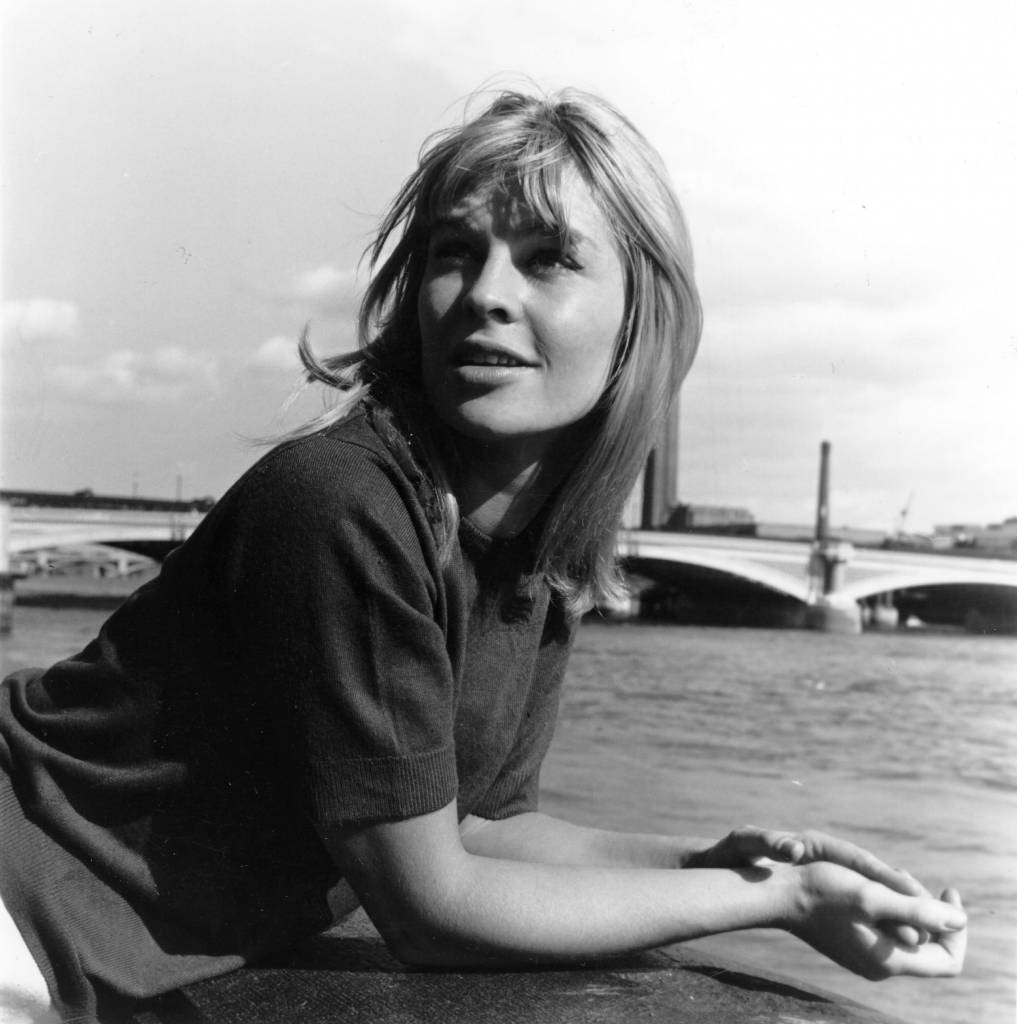 10th August 1963:  English actress Julie Christie beside the Thames.  (Photo by Kaye/Express/Getty Images)