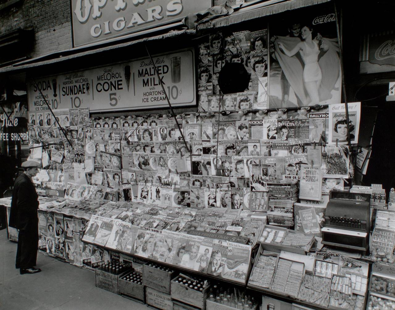 Newsstand, 32nd Street and Third Avenue