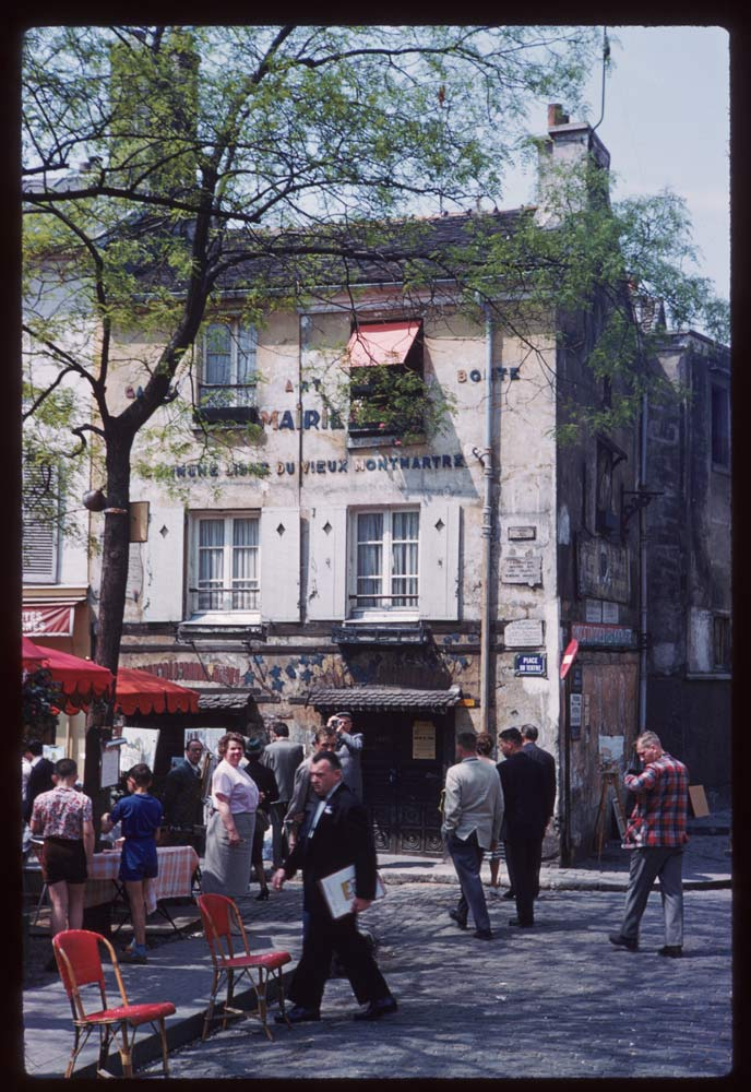 May 10, 1960. Place du Theatre Montmartre