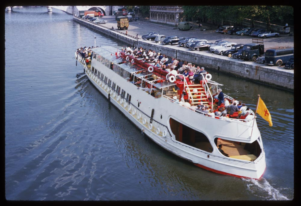 May 10, 1960. Sightseeing barge in the Seine