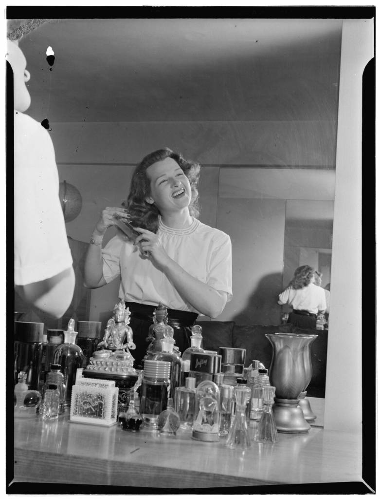 [Portrait of Jo Stafford, New York, N.Y.(?), ca. July 1946