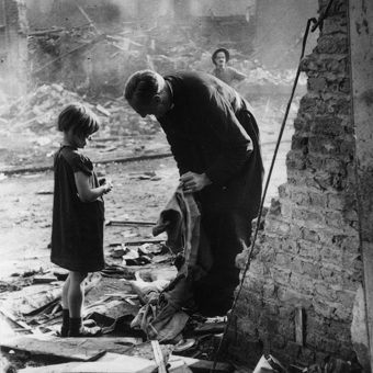 Bert Hardy's Personal Vintage Collection: Extraordinary British Photojournalism