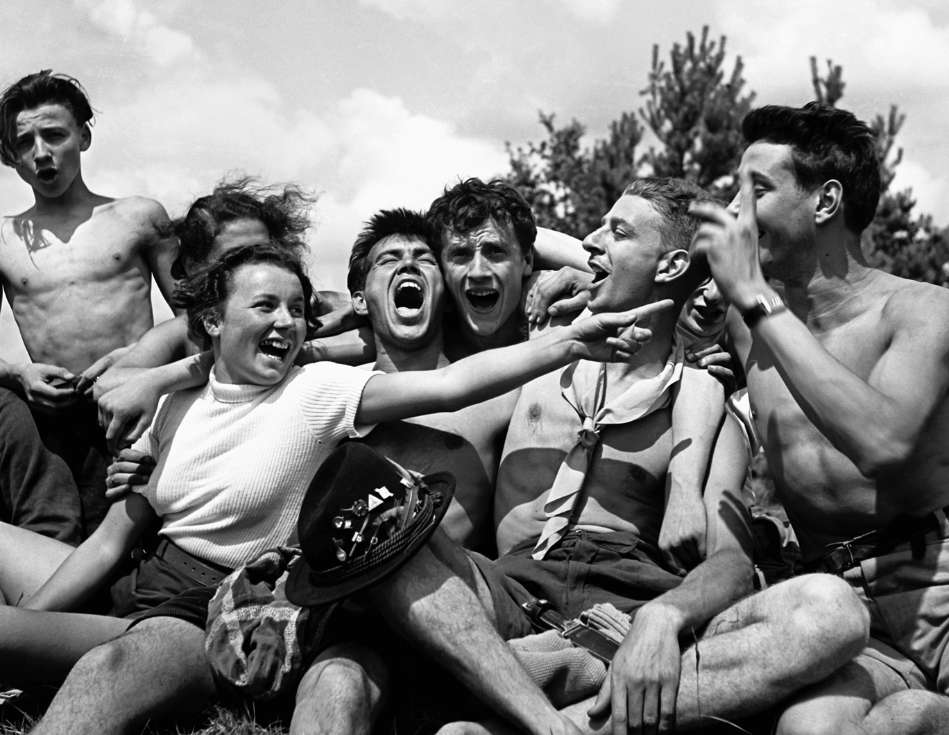 Photographs of Anti-Fascist French Youth Camps, By Pierre