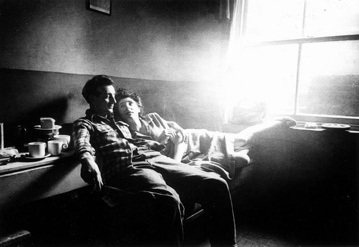 Bert Hardy, Cockney Life at Elephant and Castle, January 9th 1949