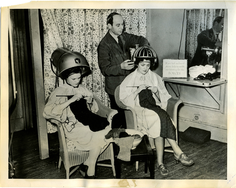 Knitting for the forces at the beauty salon, London, 1940.