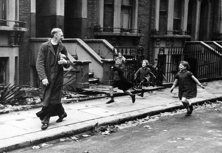 Life of an East End, London, Parson - Nov 23rd, 1940