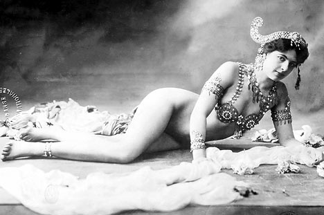 Mata Hari naked sexy, colored photograph postcard