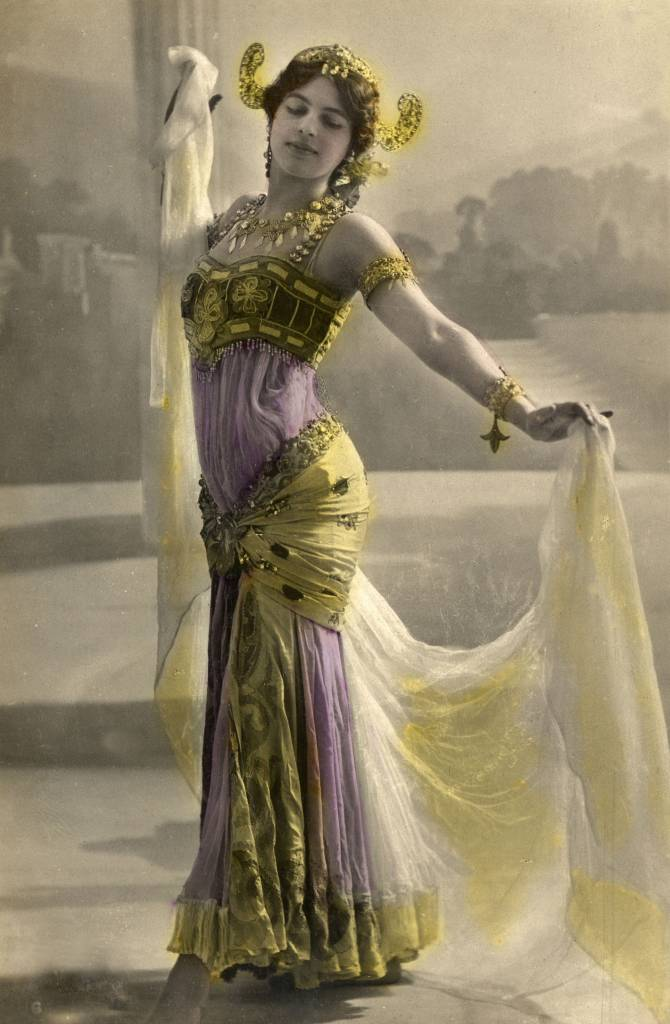 Mata Hari, colored photograph, 1899