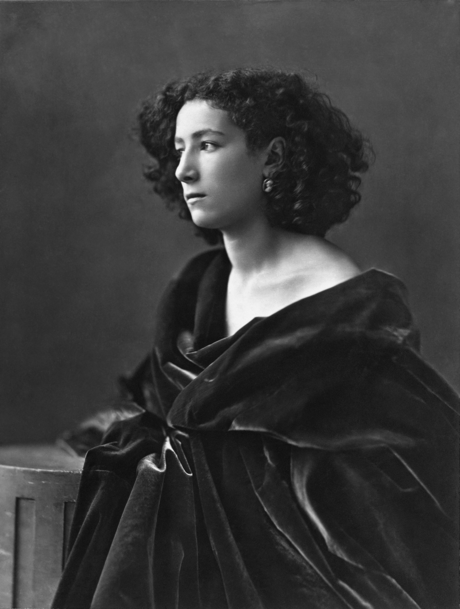 Sarah Bernhardt, photograph by Nadar, about 1864
