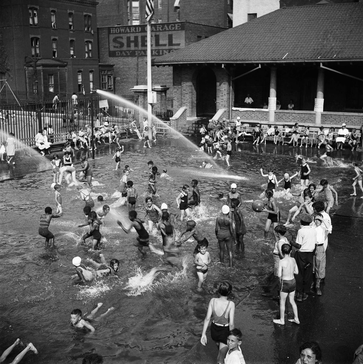NEw York July 1935 Wading pool, Carmansville Playground.