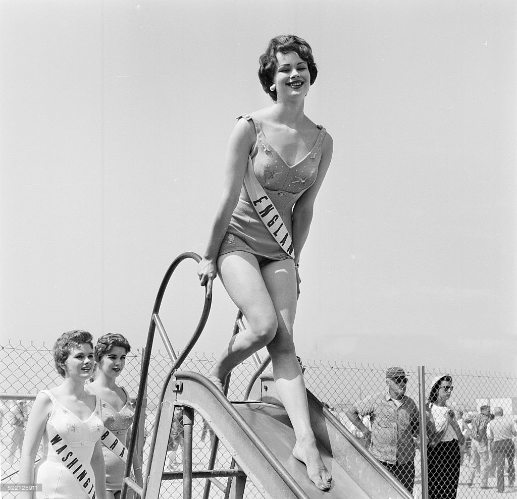 Pamela Searle as Miss England in Los Angeles