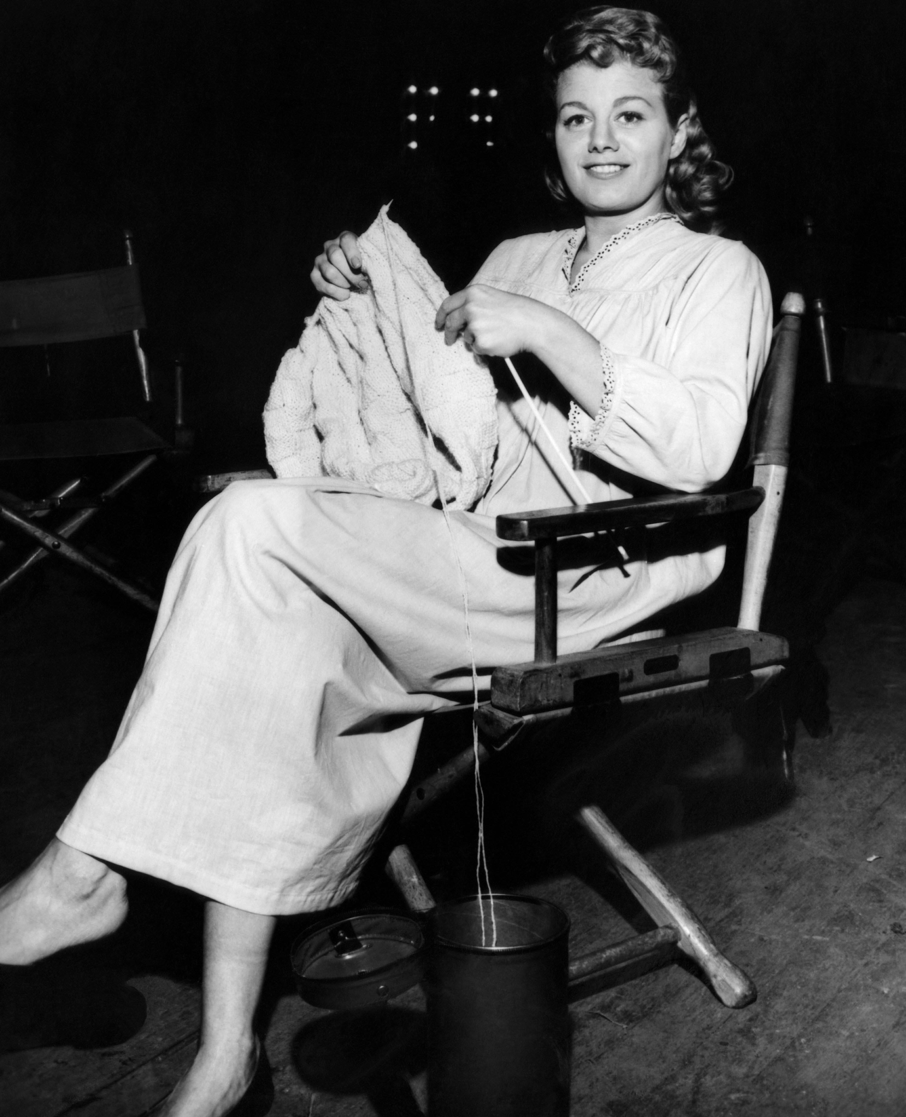 THE NIGHT OF THE HUNTER, Shelley Winters on set 'THE NIGHT OF THE HUNTER' FILM - 1955