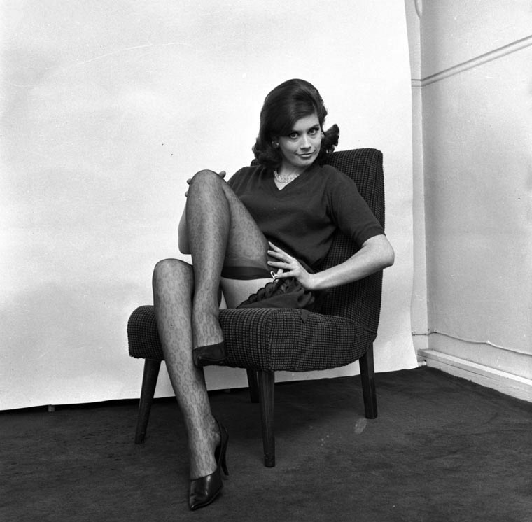 Girls On Chairs 50 Stunning Vintage Images Of Seated