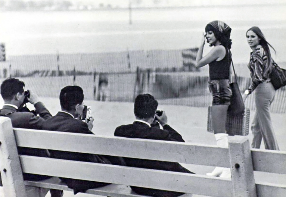 vintage girl-watchers