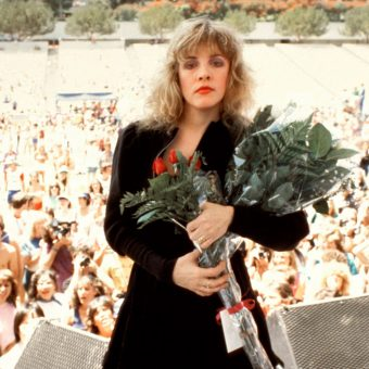 Stevie Nicks' Superb Impromptu Performance At A Rolling Stone Photo-Shoot (1983)