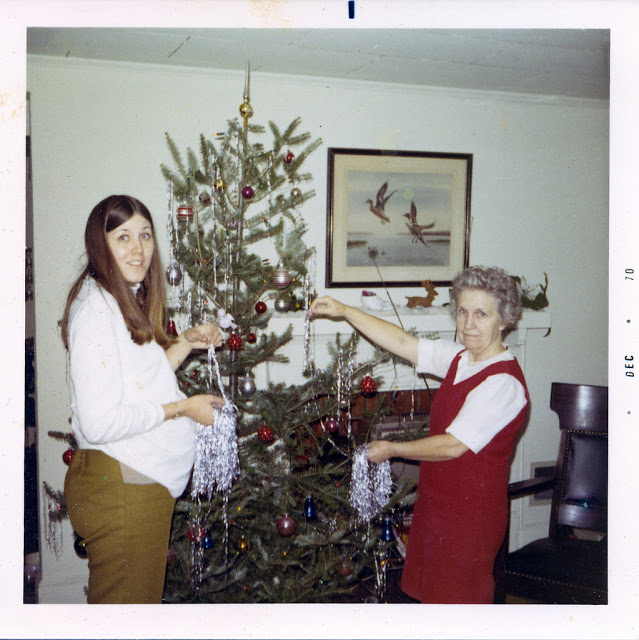 woman Christmas tree 1950s 1960s