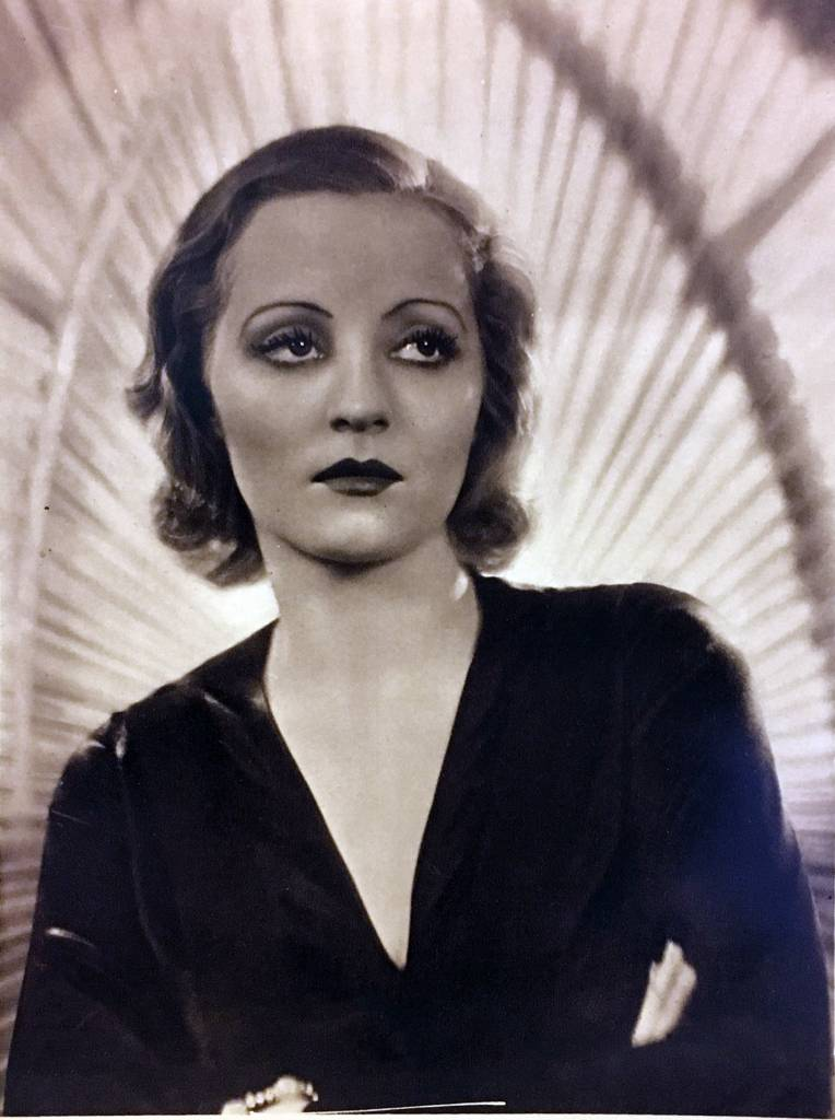 tallulah-bankhead-black-dress