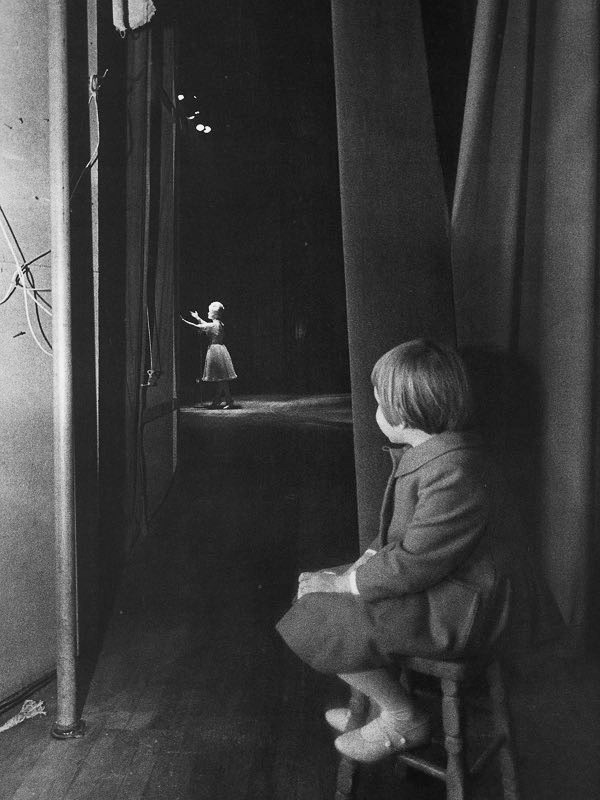 Carrie Fisher watches Debbie Reynolds, on stage at the Riviera Hotel, Las Vegas, 1963