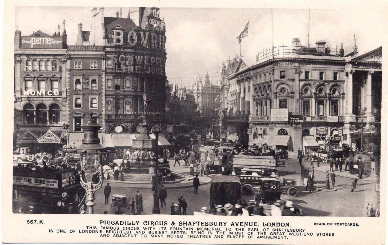 Postcard of Piccadilly Circus and Shaftesbury Avenue 1911
