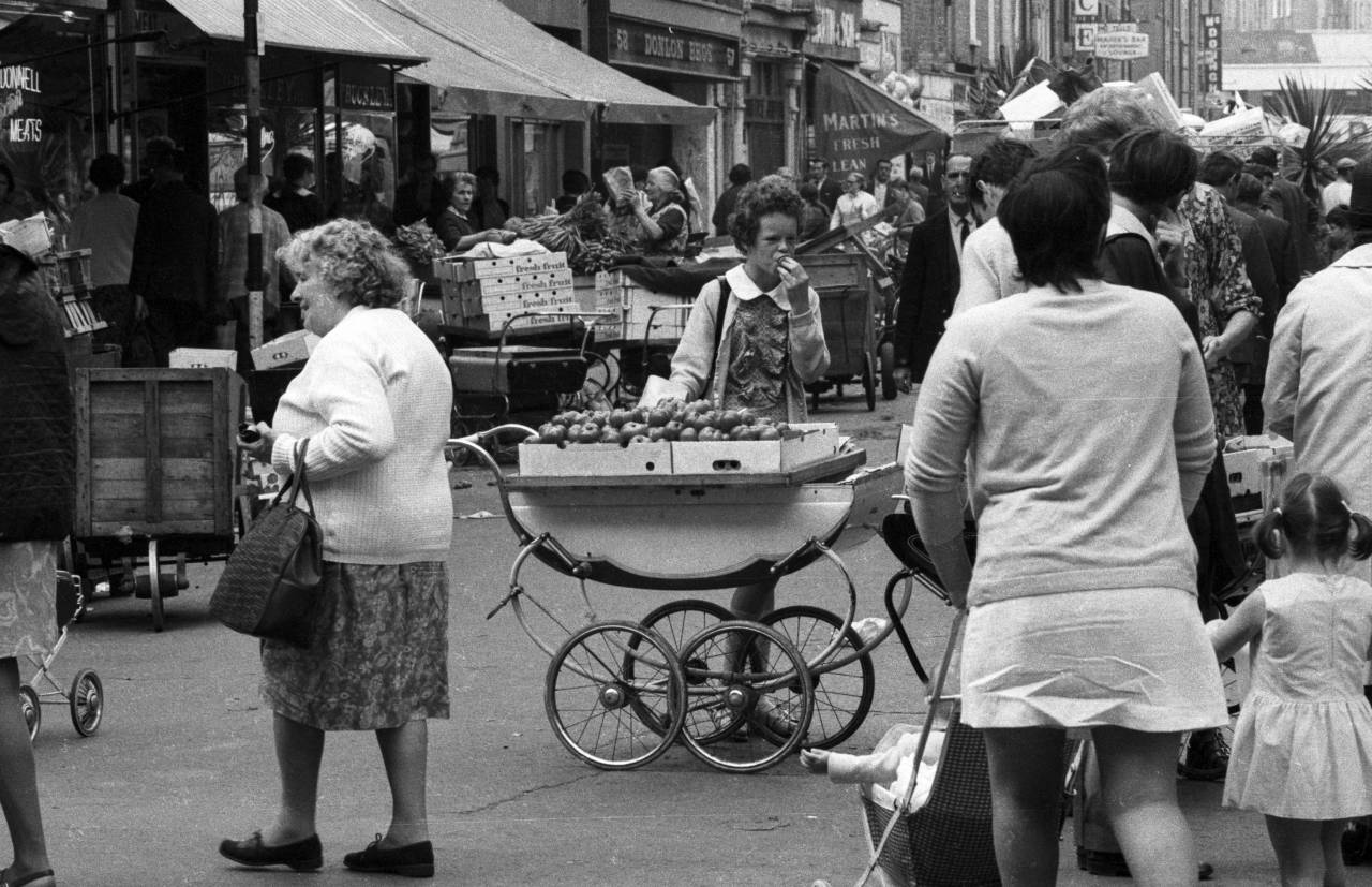 fruit-in-a-pram-heinrich-klaffs-dublin-1973