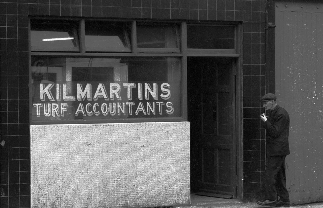 kilmartins-turf-accountants-heinrich-klaffs-dublin-1973