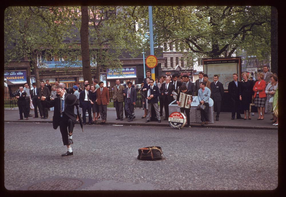 Date: May 14, 1961 Location: London, England, United Kingdom (Greater London county) Description: Buskers Leicester Square