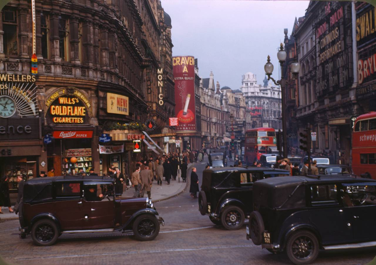 Piccadilly Kodachrome Chalmers Butterfield 1949