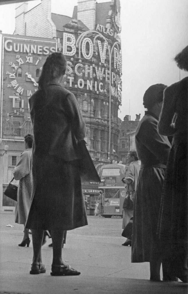 Piccadilly Circus by Hans Richard Griebe