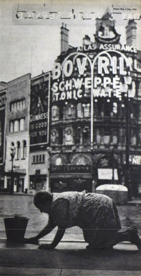 Piccadilly by Bert Hardy 1953