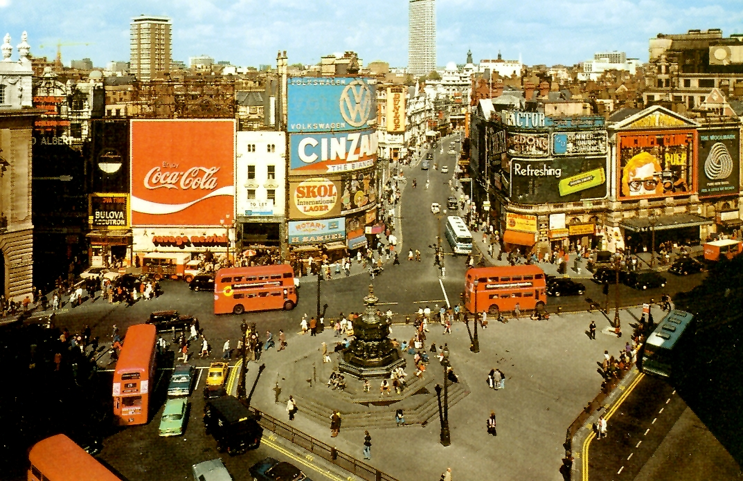 Piccadilly postcard 1972