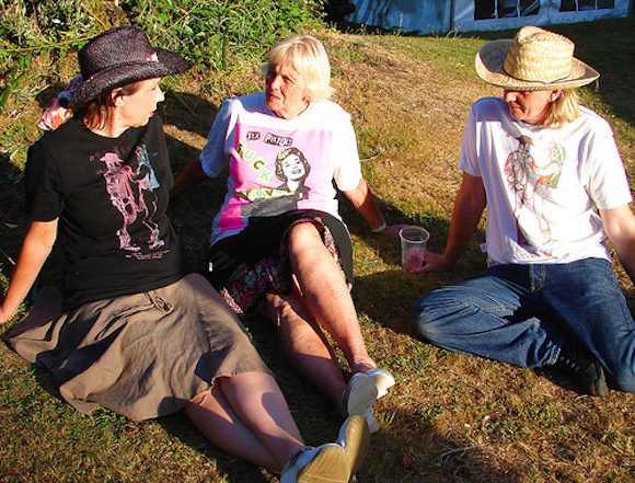 Viva Hamnell at Port Eliot Lit Fest 2006 with her daughter Jane and son-in-law Rik Gadsby modelling McLaren, Westwood and Reid punk designs for The Look