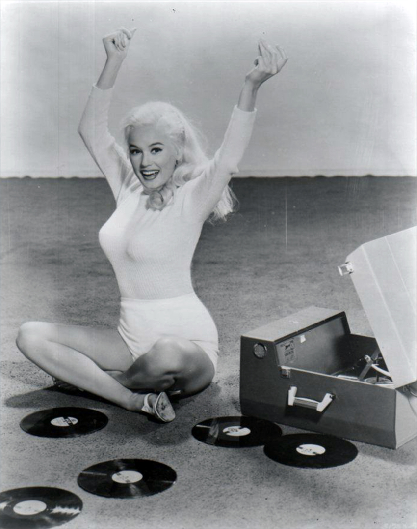 vintage-ladies-and-records-52
