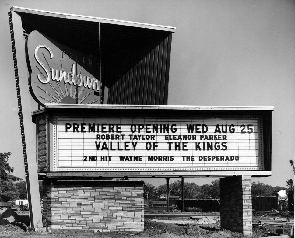 026_Vintage Movie Marquee
