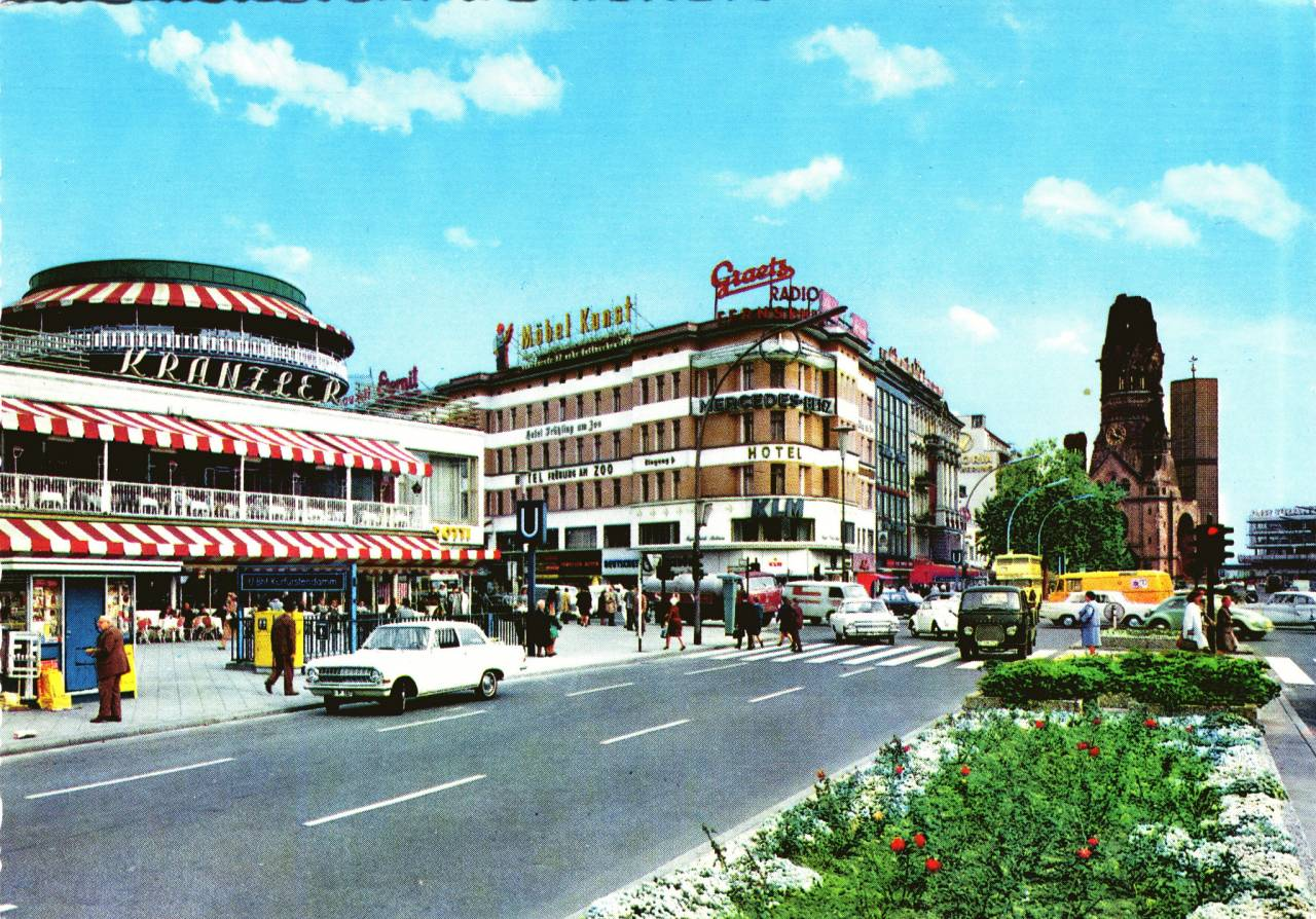 Krüger postcard from Germany : Deutschland, Berlin (former West Berlin area), Kurfürstendamm