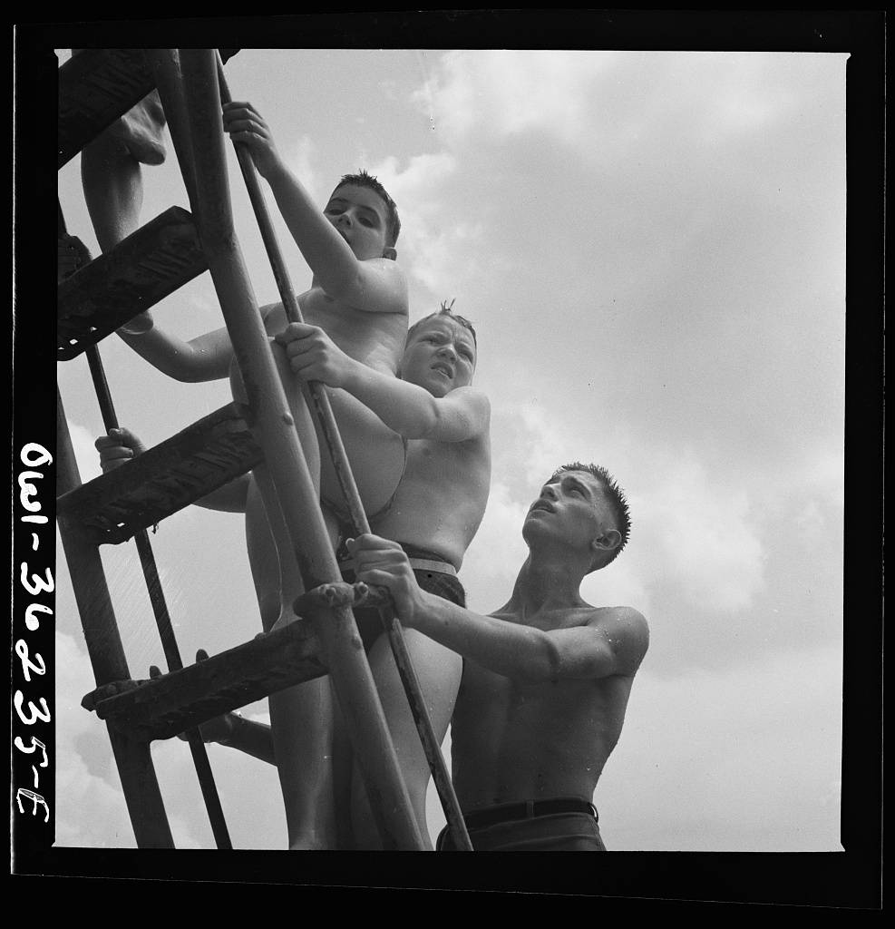 July 1943 Glen Echo, Maryland. Bathers at Glen Echo swimming pool-18