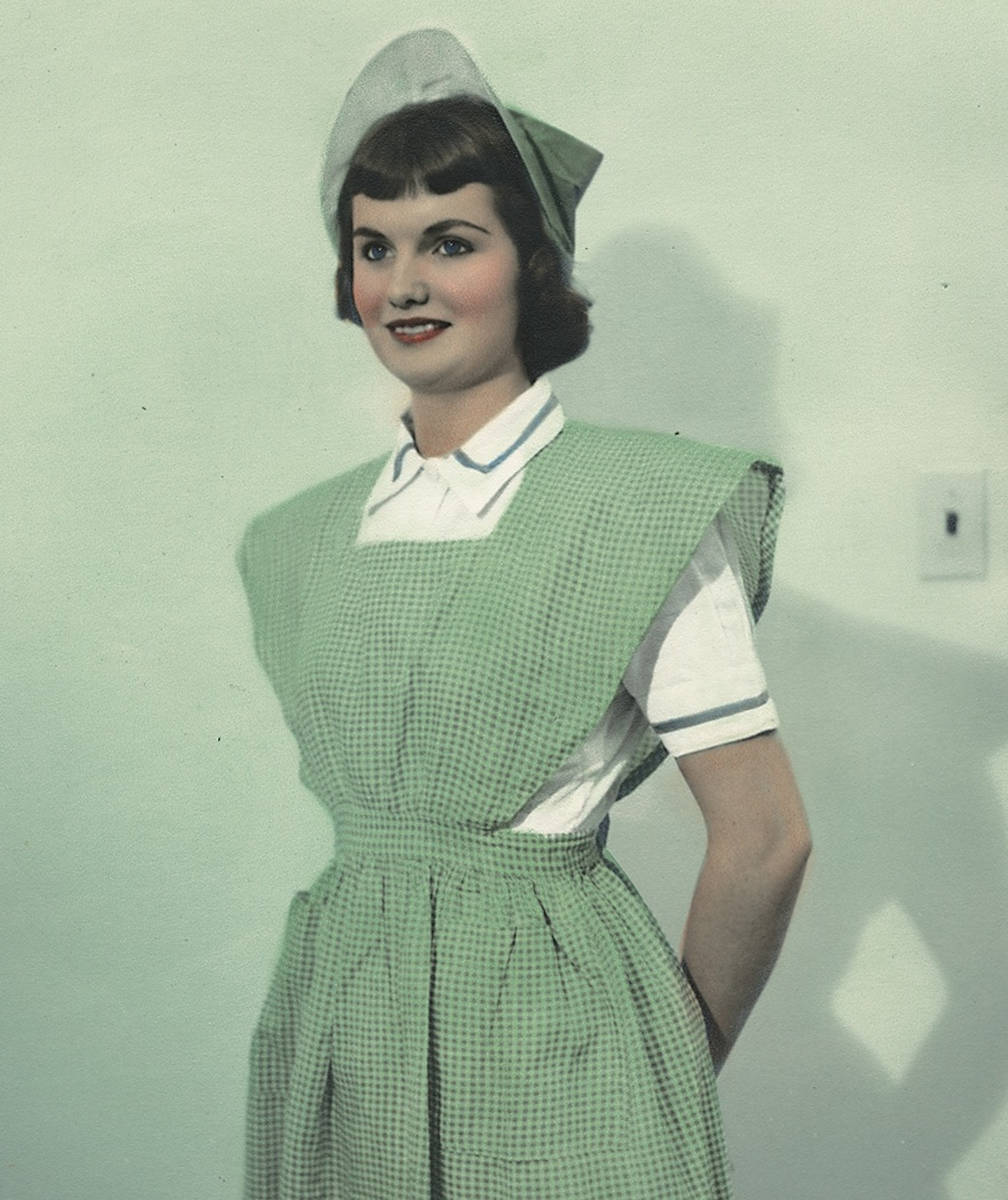 [Nurse wearing uniform from Colombia]