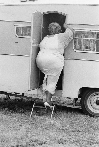 One of the singers from Johnny Otis's band entering a caravan at the Reading Festival, Reading, Berkshire, August 1972.