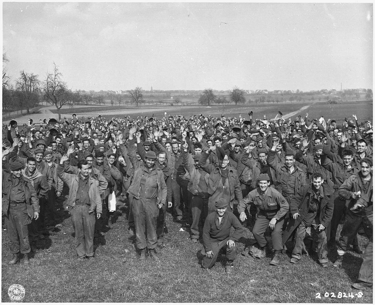 1,200 U.S. soldiers escape from POW camp at Limburg, Germany