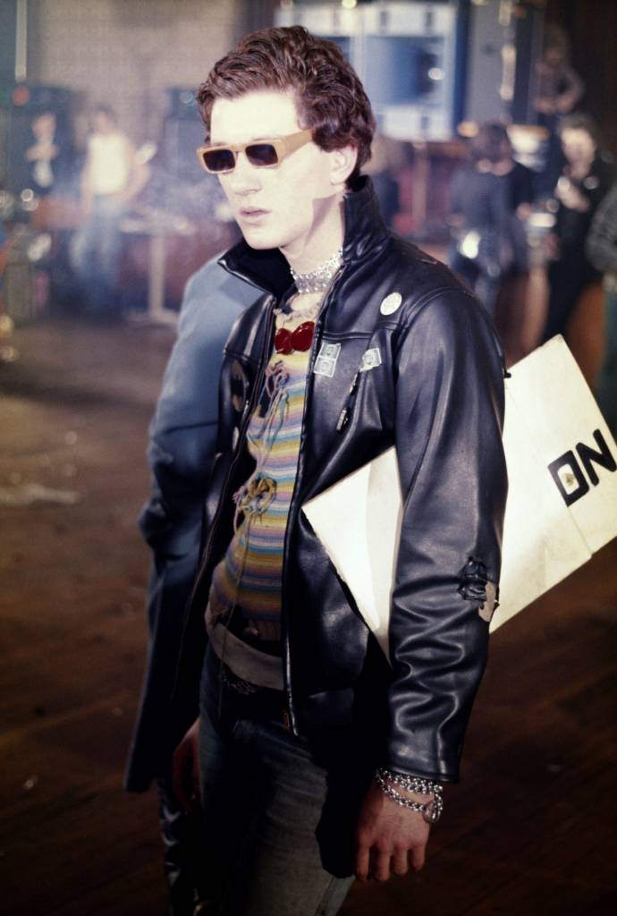 Ray Burns aka Captain Sensible (The Damned). Notre Dame de France, 15 November, 1976.