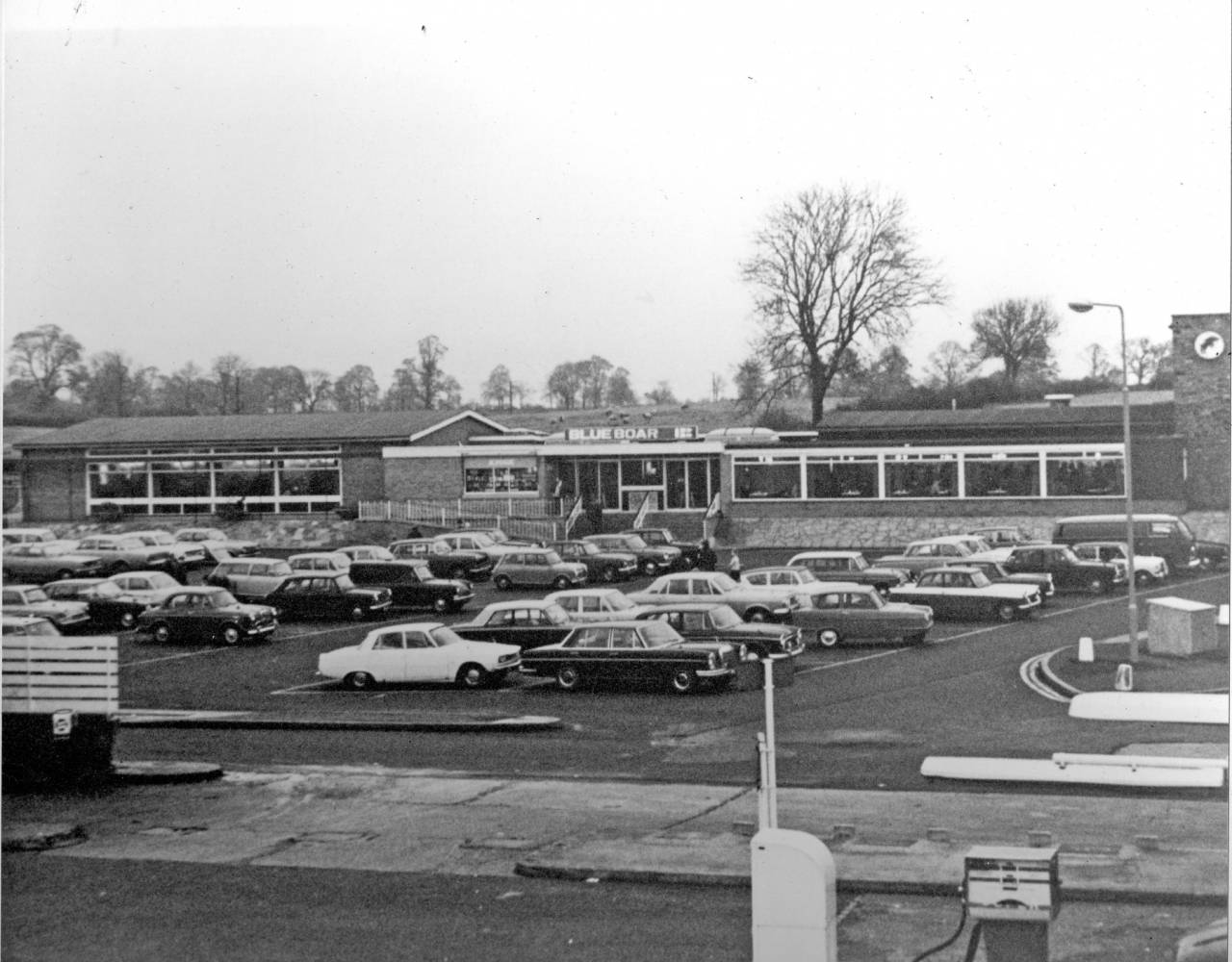 Watford Gap Blue_Boar_car_park the original northbound building and car park. The restaurant is on the left and transport café is on the right.