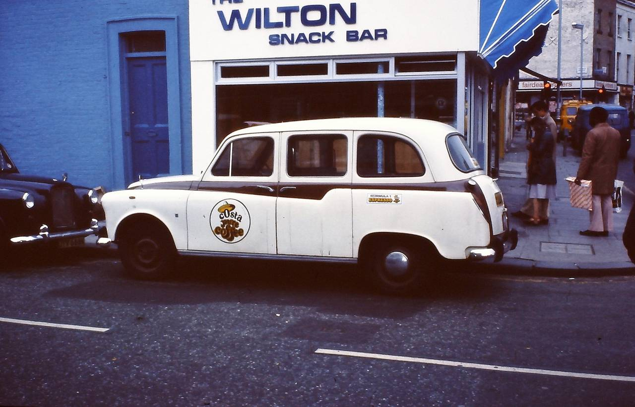 Austin Taxi near Wilton Road SW1, London 1978