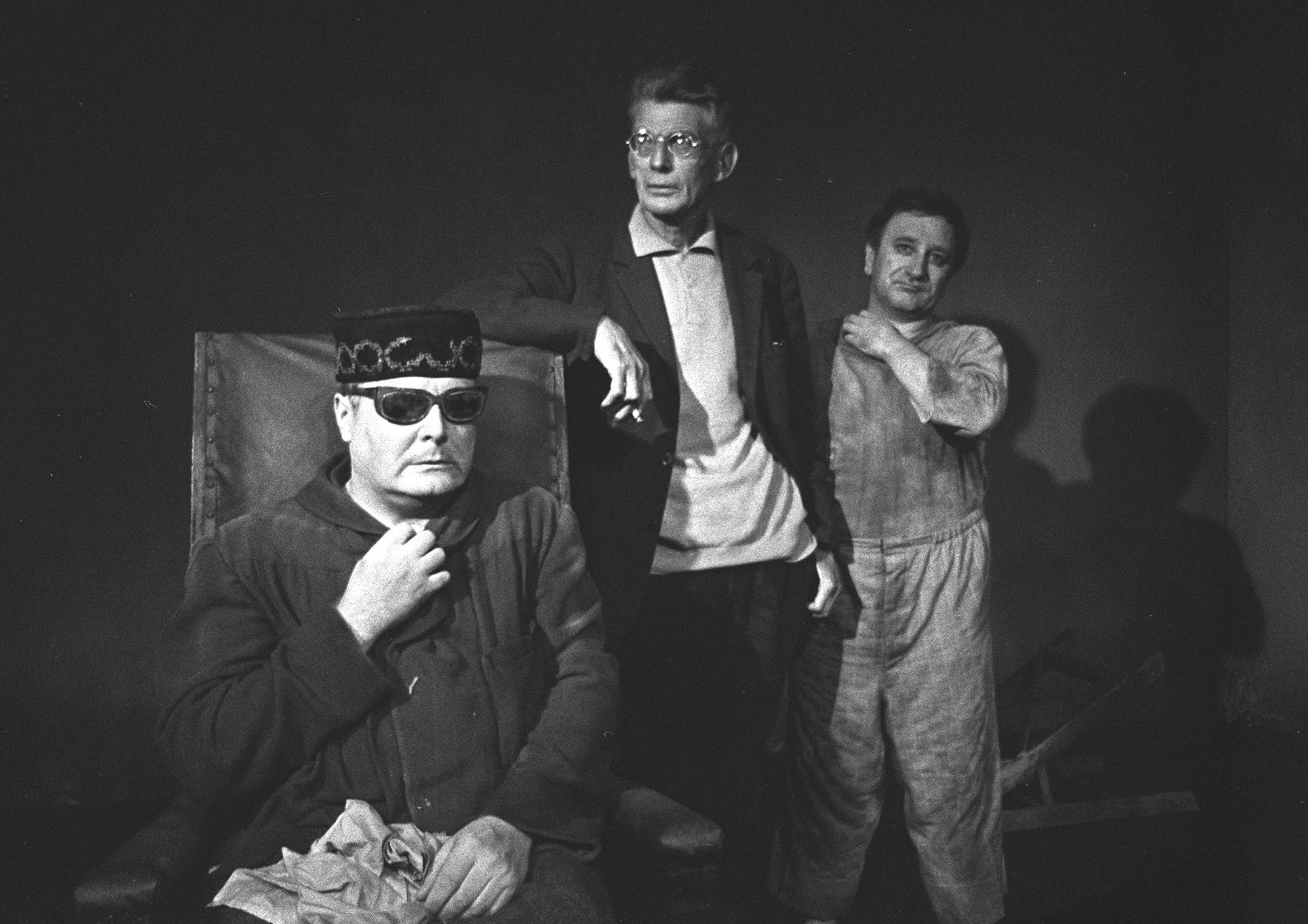 "Samuele Beckett. On the occasion of West Berlin Festival Weeks the workshop of Schiller theatre will give ""Fin de Partie"" of Samuel Beckett. Here the author who is also directing the game is giving instructions to the actord. Left Ernst Schroeder (Hamm), right Horst Bollmann (Clov). First performance is on September 26. 1967 SAMUEL BECKETT'S ""FIN DE PARTIE"" SCHILLER THEATRE, BERLIN, Germany"
