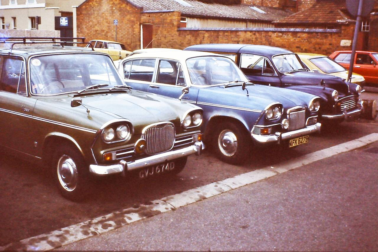 Singer Vogue, Humber Sceptre and Morris Traveller, London 1978
